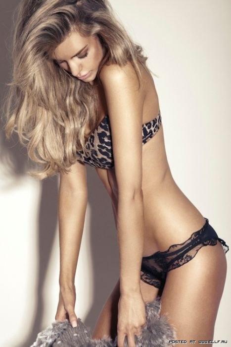 Красивые девушки подобрка фото со стройными девушками полуобнаженка