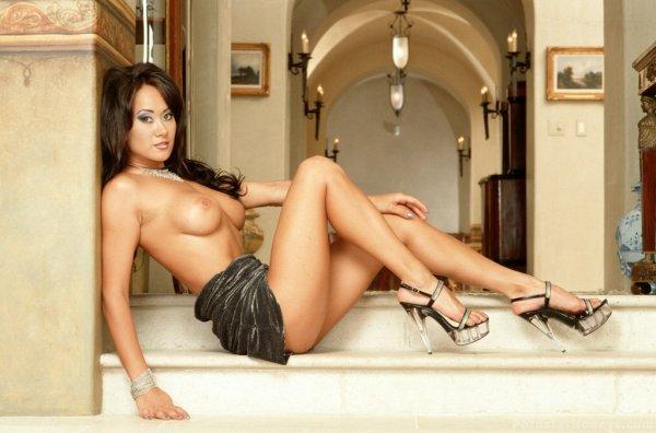 Asia Carrera порно звезда азиатка в отставке голая раздевается