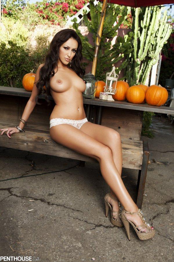 Breanne Benson голая стройная порно актриса с отличной фигурой