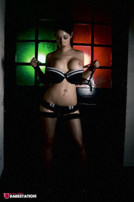 Красивая девушка Reede Fox