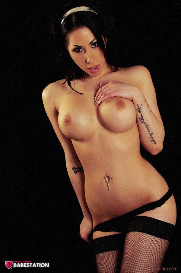 Шикарная девушка Reede Fox