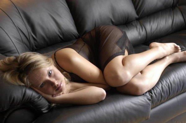 Частные фото симпатичной блондинки с шикарной фигурой