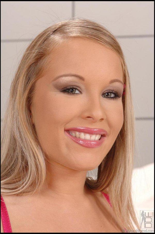 Сексуальная девушка Jessica Moore