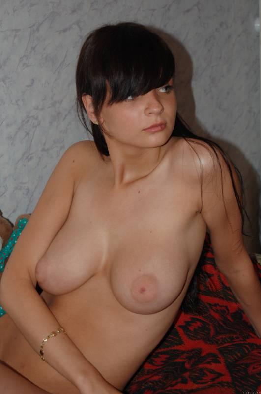 Частные фото симпатичной девушки