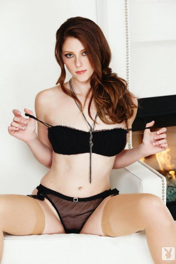 Молодая секси девка