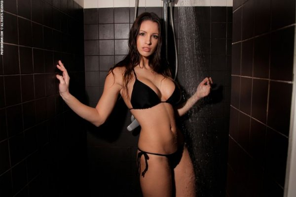 Прекрасная девушка Овен Lucia Javorcekova