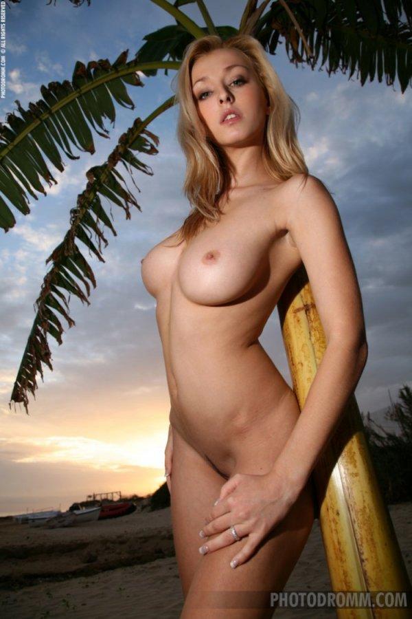 Прекрасная белая Дева Dominika Jandlova