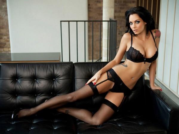 Джессика Джейн Клемент красивая стройная соблазнительная сексуальная британская модель позирует в трусиках и лифчике